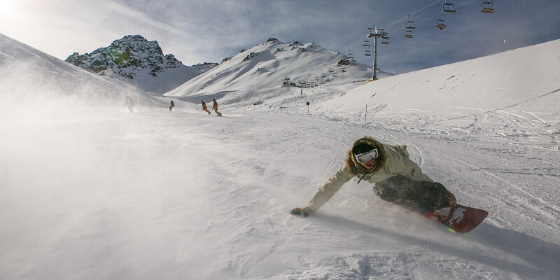 How to Carve on a Snowboard