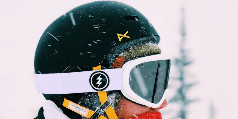 snowboard helmet with speakers