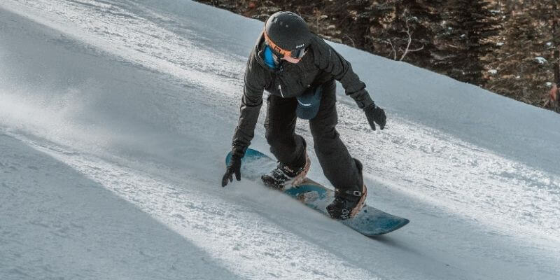 how to slow down on snowboards