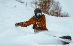 9 Best Snowboard Helmets for 2021-2022